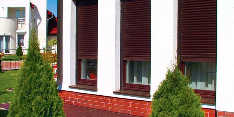 защитные жалюзи рольставни на двери в выборге