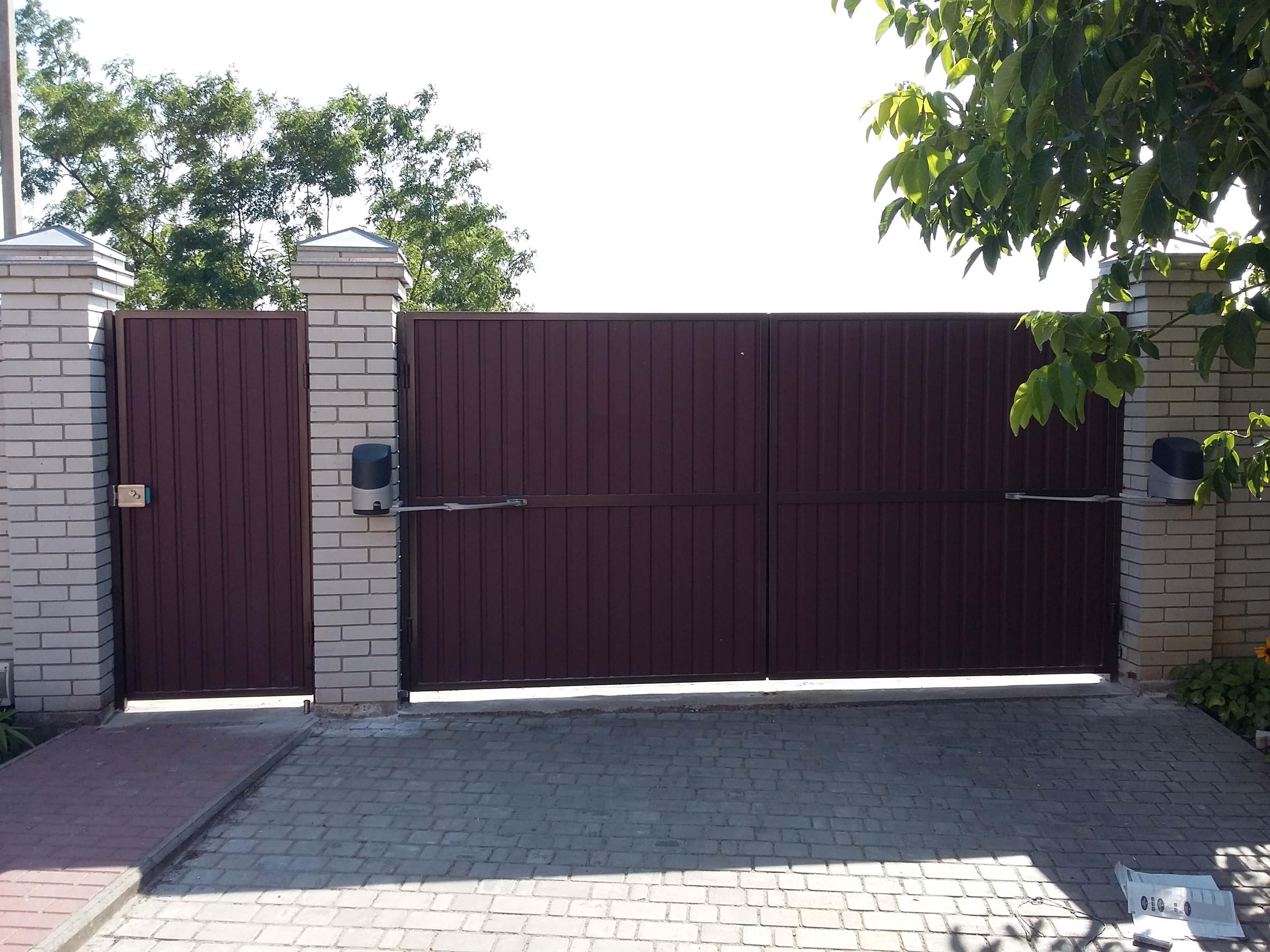 Распашные ворота проект 26